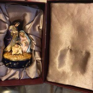 Nobility baby Jesus Trinket Box